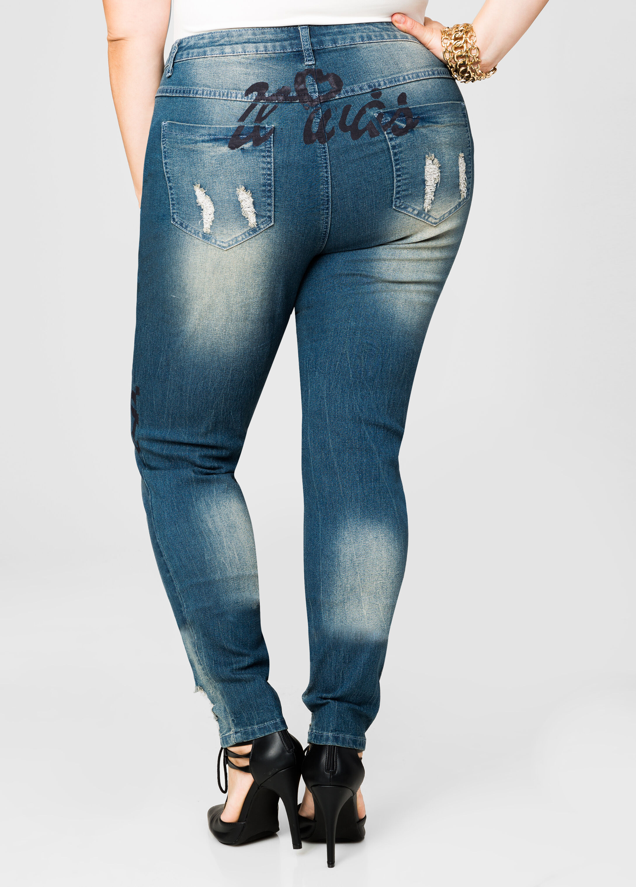 Writing Destructed Skinny Jeans