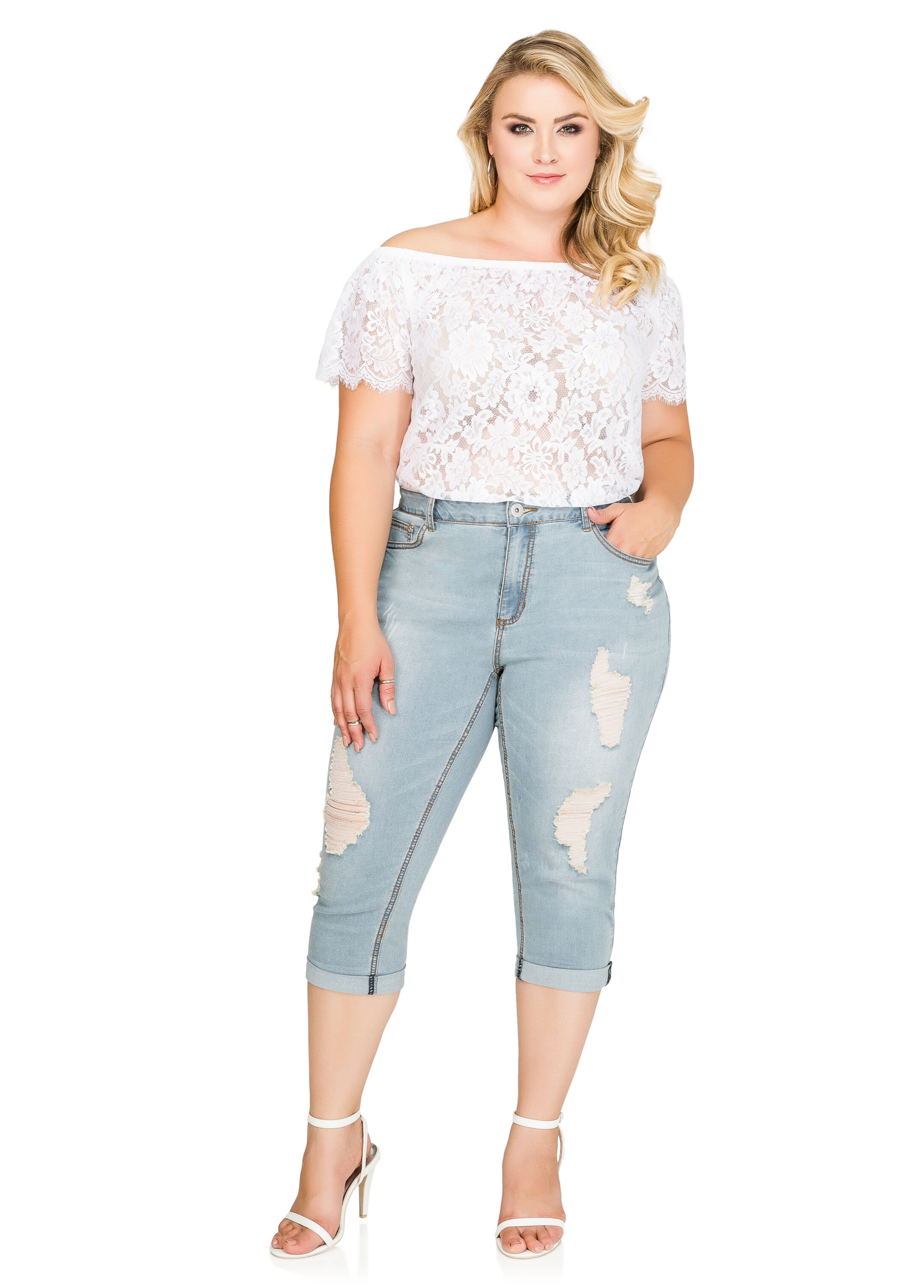 Cuffed Destructed Capri Jeans