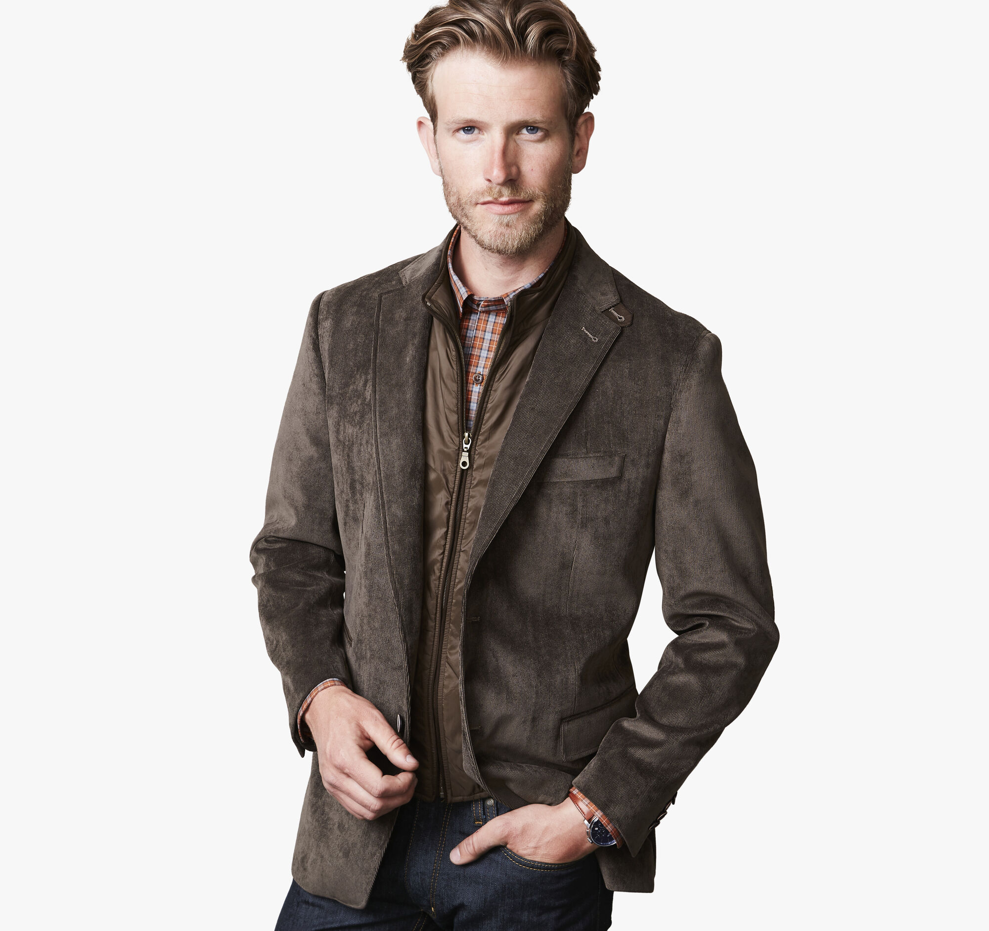 While Johnston & Murphy specializes in dress shoes and boots, you can upgrade your entire wardrobe shopping in their online store. Both men and women will find all kinds of apparel and accessories including jackets, blazers, socks, scarves and much more.