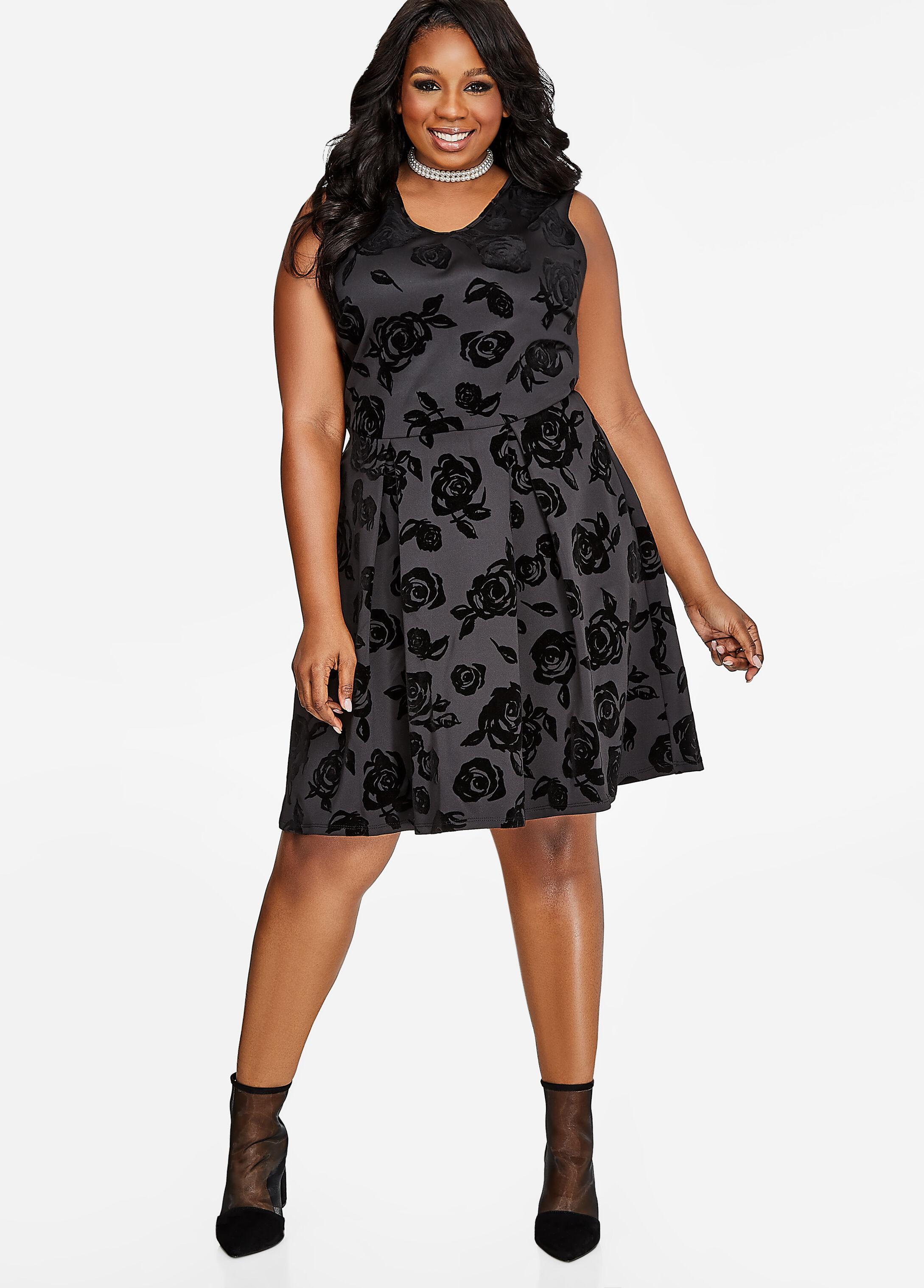 Rose Pattern Pleated Velvet Dress